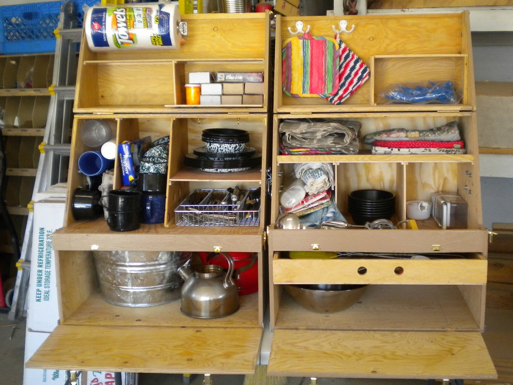 Chuck box kitchen on pinterest chuck box camping for Best camping kitchen ideas